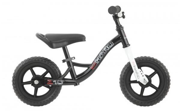 77e9b51c5 A bicicleta sem pedivelas e pedais (foto1) é ideal para o primeiro contato  da criança com a bicicleta. Essa bicicleta permite o desenvolvimento do ...